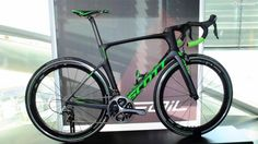 Scott s new Foil aero road bike was launched in Salzburg  This is the Team Issue model with mechanical Dura Ace and Zipp 60 wheels