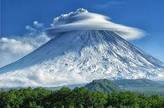 Klyuchevskaya Sopka (also known as Kliuchevskoi) is a stratovolcano, the highest mountain on the Kamchatka Peninsula of Russia and the highest active volcano of Eurasia. Beautiful World, Beautiful Places, Beautiful Sky, Beautiful Scenery, Amazing Places, Lenticular Clouds, Monte Fuji, Photo Voyage, Foto Blog