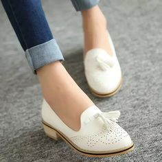 2015 comfortable low-heeled fashion vintage Oxfords shoes gentlewomen pointed toe shoes for women - Casual Shoes - Pretty Shoes, Beautiful Shoes, Cute Shoes, Me Too Shoes, Beautiful Things, Beautiful People, Daily Shoes, New Shoes, Shoes Heels