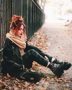 Check out these awesome 34 fashion looks for this season. Get cozy in style! Check out these awesome 34 fashion looks for this season. Get cozy in style! Punk Outfits, Grunge Outfits, Fall Outfits, Fashion Outfits, Grunge Clothes, Fashion Clothes, Fashion Mode, Trendy Fashion, Winter Fashion