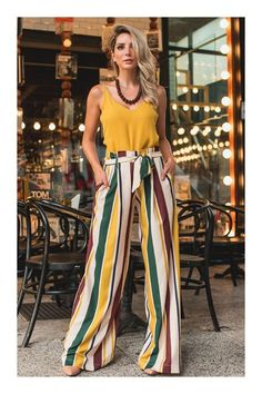 Colorful Striped High Waisted Wide Leg Pants Outfit for Summer Colorful Striped High Waisted Wide Leg Pants Outfit for Summer Flowy Pants Outfit, Summer Pants Outfits, Trouser Outfits, Spring Outfits, Wide Leg Pants Outfit Summer, High Waisted Flowy Pants, Fashion Mode, Look Fashion, Fashion Outfits