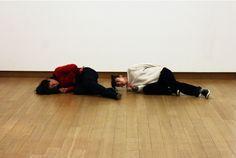 Tino Sehgal @ Stedelijk Museum intrigeert
