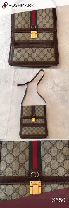 "Gucci Messenger Cross Body Authentic Gucci Crossbody, in excellent condition! Barely used. Dimensions approx: 8""x10"". Gucci Bags Crossbody Bags"