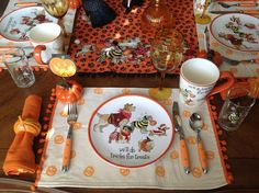 Bark, bark we& do tricks for treats ! All the dogs gathered at the table and treed the cat. With plates, mugs, and tray showi. Halloween 2016, Scary Halloween, Halloween Decorations, Table Decorations, Tablescapes, Tea Party, Table Settings, Tray, Decorating Ideas