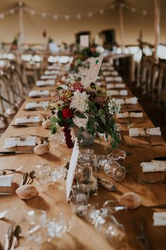 Un mariage boho au Château de Fajac - Toulouse - A découvrir sur le blog mariage www.lamarieeauxpiedsnus.com - Photos et vidéo : The Quirky Boho Wedding, Wedding Table, Wedding Blog, Photos, Pictures, Picture Video, Table Settings, Cocktails, Toulouse