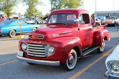 1949 Ford F-1 pickup Classic Pickup Trucks, Old Pickup Trucks, Old Ford Trucks, Ford Classic Cars, Mini Trucks, New Trucks, 1952 Ford Truck, Rat Rat, Ford Motor Company