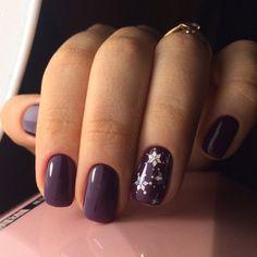 chic winter nail designs for short nails 24 ~ Modern House Design Xmas Nails, Get Nails, Holiday Nails, Christmas Nails, Hair And Nails, Christmas Makeup, Stylish Nails, Trendy Nails, Gold Gel Nails