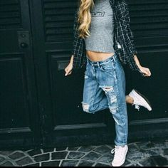 Ripped jeans ❤ (Photo from tumblr)