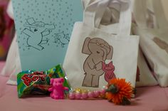 Elephant and Piggie Party with Awesome photo booth idea