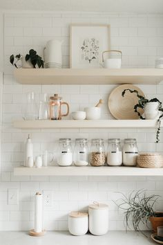 White And Neutral Kitchen Interior Design With Open Shelving And Organized Styled Kitchen Shelves With Natural Home Decor And Storage Containers For Food Kitchen Shelf Decor, Kitchen Shelves, Kitchen Organization, Organization Ideas, Organized Kitchen, Kitchen Nook, Open Kitchen, Kitchen Pantry, Wood Shelves
