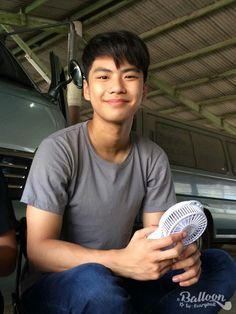 Book And Frame, Teen Guy, Hot Asian Men, Thai Drama, Drawing Poses, Cute Guys, Ulzzang, Actors, Thailand