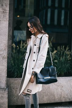 So, let's talk trench coats today. Shall we? I always believed that a good trench coat is a piece worth investing in and all these Burberry adverts just