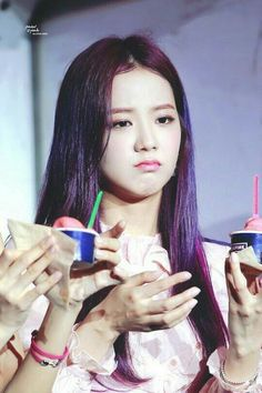 Your source of news on YG's biggest girl group, BLACKPINK! Please do not edit or remove the logo of any fantakens posted here. Blackpink Jisoo, Kim Jennie, Yg Entertainment, Mamamoo, South Korean Girls, Korean Girl Groups, Black Pink, Ji Soo, Your Turn