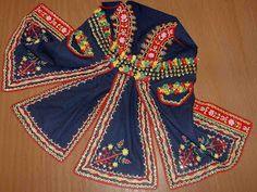 FolkCostume&Embroidery: Folk Costume of the Lachy, part 1, Overview and Podegrodzie men. Malopolska, Poland Polish Embroidery, Local Embroidery, Embroidery Patterns, Folk Costume, Costumes, Poland Culture, Polish People, Polished Man, Polish Folk Art