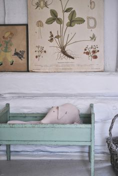 Julia's White Dreams | Swedish children's summerhouse/playhouse