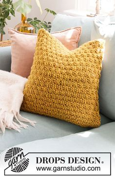 Basic patterns - Free knitting patterns and crochet patterns by DROPS Design Knitted Cushion Covers, Cushion Cover Pattern, Knitted Cushions, Crochet Pillow Patterns Free, Knitting Patterns Free, Free Knitting, Afghan Patterns, Square Patterns, Free Pattern