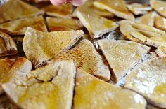 The Pioneer Woman--Salted Pita Wedges with dip selections New Year's Eve Appetizers, Recipes Appetizers And Snacks, Dip Recipes, Yummy Snacks, Snack Recipes, Cooking Recipes, Yummy Food, Wedges Recipe, Ree Drummond