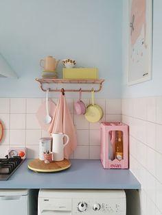 dream home kitchen Design Apartment, Dream Apartment, Casa Retro, Pastel Room, Casa Clean, Aesthetic Room Decor, Home And Deco, My New Room, Cozy House