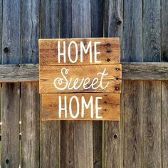 Home sweet home hand painted rustic wood sign #texasrusticwooddecor #rusticsign #palletsign #handpainted #palletwallart #homesweethome #texas #rustichomedecor
