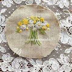 . . ミニブーケ。。。 . #embroidery #flola #flower #flowerembroidery #needleart…