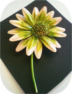 Vintage Metal Flower Pins   Vintage Metal Daisy Flower Brooch by CoyoteMoon62 on Etsy