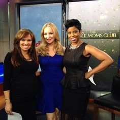 We got the scoop on #thesinglemomsclub & #thegoldbergs from the very funny #WendiMcClendonCovey on #newyorklivetv