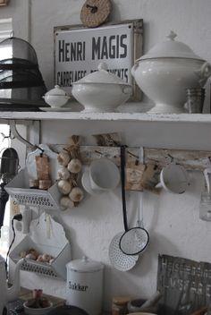 kitchen hanging HVÍTUR LAKKRÍS: Imorgon smäller det!... och idag har vi en vinnare..:)