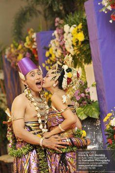 17 Foto Pernikahan dg Gaun Baju Kebaya Pengantin PAES AGENG Jogja Yogyakarta, http://poetrafoto.wordpress.com/2014/03/04/17-foto-pernikahan-dg-gaun-baju-kebaya-pengantin-paes-ageng-jogja/
