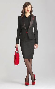 I love this look, down to the hair and lipstick! I wear a lot of red lipstick, both bright and brown-red. I already have a couple of pairs of red pumps--one pointed and one round toe. Business Outfits, Business Attire, Office Outfits, Business Fashion, Business Casual, Suits For Women, Women Wear, Clothes For Women, Office Fashion