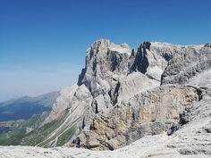 A 2700 metri slm c'erano 28 gradi e turisti in costume sdraiati a prendere il sole là dove una volta c'era un ghiacciaio. #monterosetta #summer2017 #hiking #vsco