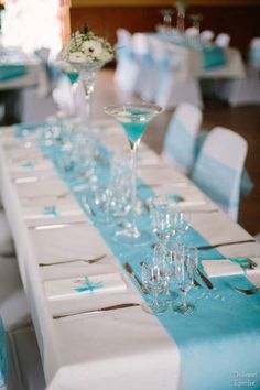 centre de table turquoise et papillon Teal And Grey Wedding, Aqua Wedding, Wedding Colors, Azul Tiffany, Tiffany Blue, Table Turquoise, Color Celeste, Tiffany Party, Lace Table Runners