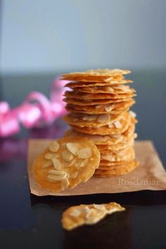 Dapur daniar: Almond Crispy