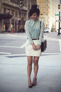 Such a lovely outfit. Mint blouse, pencil skirt and Zara heels.