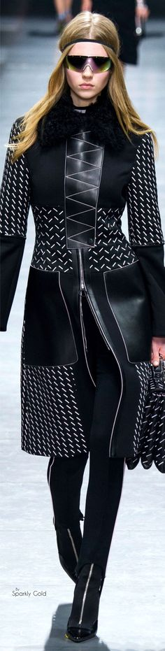 awesome Versace Fall 2016 RTW...