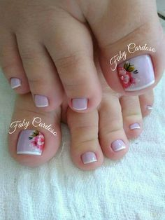 Unhas dos pés decoradas Nice Toes, Pretty Toes, French Pedicure, Manicure And Pedicure, Feet Nails, Toenails, New Nail Art, Toe Nail Designs, Office Fashion Women