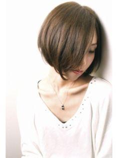 前下がりクールショートボブ【RENJISHI KICHIJOJI】/RENJISHI KICHIJOJIをご紹介。2015年秋冬の最新ヘアスタイルを20万点以上掲載!ミディアム、ショート、ボブなど豊富な条件でヘアスタイル・髪型・アレンジをチェック。