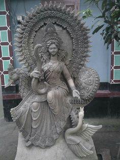 Saraswati Murti, Saraswati Idol, Saraswati Goddess, Radha Krishna Pictures, Krishna Art, Buddha Sculpture, Sculpture Art, Indian Drawing, Lord Ganesha Paintings