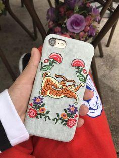 Gucci欧米ハイブランドグッチ個性的DIY刺繍国際海外おしゃれデニム布ジーンズiphone8/7s