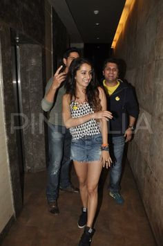 Sidharth Malhotra and Shraddha Kapoor attended the screening of the new trailer of their forthcoming movie 'Ek Villain'. Director Mohit Suri also joi. Mohit Suri, Ek Villain, Half Girlfriend, Shraddha Kapoor Cute, New Trailers, Girlfriends, Diva, Bollywood, Actresses