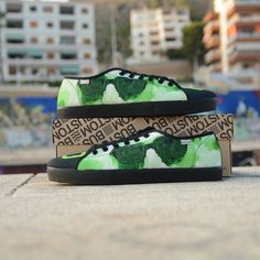 Tú te vistes tú decides!__ #bustom #bustomshoes #zapatillaspersonalizadas #customshoes #makethemownthem #zapatos #zapatillas #moda #diseño #arte #foto