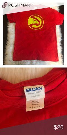 Atlanta Hawks T-shirt Size medium. Never worn Tops Tees - Short Sleeve