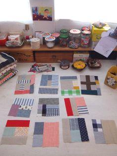 handmade*zakka | fabrickaz+idees Quilting Tutorials, Sewing Tutorials, Sewing Projects, Mug Rugs, Mini Quilts, Fabric Art, Handmade Bags, Fabric Scraps, Quilt Patterns