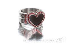 Black diamond coated, laser engraved stainless steel rock'n'roll wedding ring with 88 cherry red diamonds. Wedding Ring Designs, Wedding Rings, Red Diamonds, Institute Of Design, Rockn Roll, My Rock, Cherry Red, Helsinki, Petra