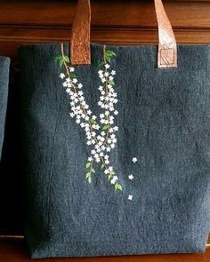 Wonderful Ribbon Embroidery Flowers by Hand Ideas. Enchanting Ribbon Embroidery Flowers by Hand Ideas. Embroidery Bags, Silk Ribbon Embroidery, Hand Embroidery Patterns, Cross Stitch Embroidery, Embroidery Designs, Embroidery Supplies, Simple Embroidery, Embroidery On Leather, Embroidered Silk