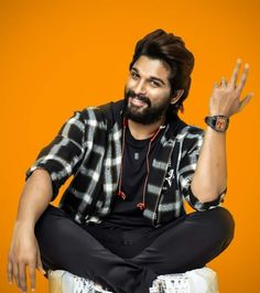 New Photos Hd, Girl Photos, Handsome Actors, Hot Actors, Indian Flag Colors, Male Fitness Photography, Photoshop Hair, Allu Arjun Wallpapers, Allu Arjun Images