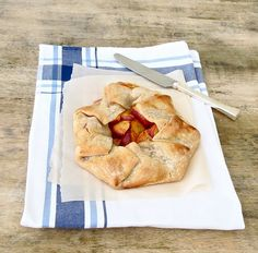 Peach Crostata - easy, easy summer peach recipe... made with store-bought crust and fresh peaches