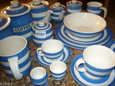 Love Love Cornishware! Would look great in my kitchen.