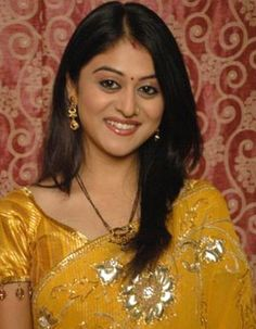 Falak Naaz glad to act in Sasural Simar Ka! My Career, Tv Actors, Indian Celebrities, Indian Beauty, Most Beautiful Women, Gossip, Sari, Turning, Bond