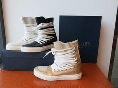 Scarpe con rialzo interno, in pelle e camoscio. # pigal boutique # bergamo # shopping