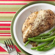 Microwaved Parmesan Chicken Recipe -This quick way to prepare chicken has been a family staple ever since a friend gave me the recipe. It's too good not to share. Microwave Chicken Recipes, Healthy Microwave Meals, Microwave Dinners, Chicken Parmesan Recipes, Microwave Food, Healthy Breakfasts, Eating Healthy, Healthy Meals, Clean Eating